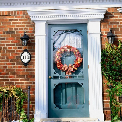 Stock Photo: 1566-022592 Wreath on door