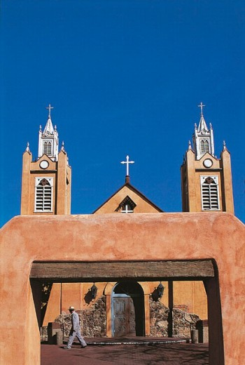 Stock Photo: 1566-0226961 San Felipe de Neri Church founded in 1706, old town Albuquerque. New Mexico, USA
