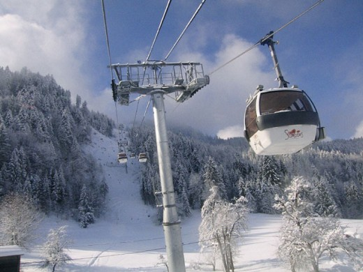 Stock Photo: 1566-0229680 Samoens ski area in French Alps. Lift. Telecabines