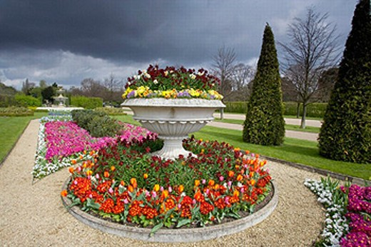 Regents Park spring flowering. London. England. UK. : Stock Photo