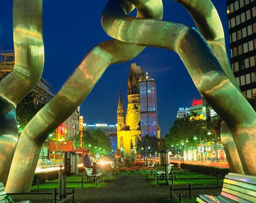 Stock Photo: 1566-040208 Sculpture ´Berlin´. Kaiser Wilhelm Memorial Church. Berlin. Germany