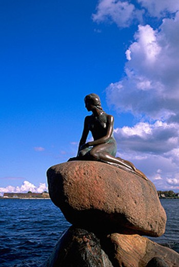 Stock Photo: 1566-040294 Little Mermaid. Copenhagen. Denmark