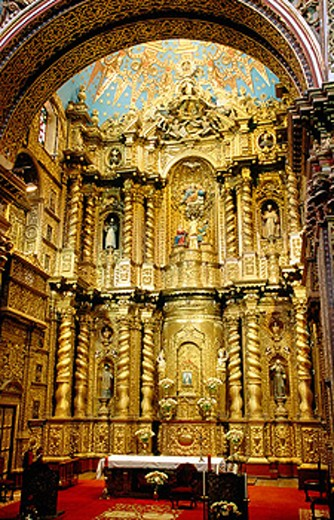 High Altar. Iglesia de la Compañía de Jesús. Quito. Ecuador : Stock Photo