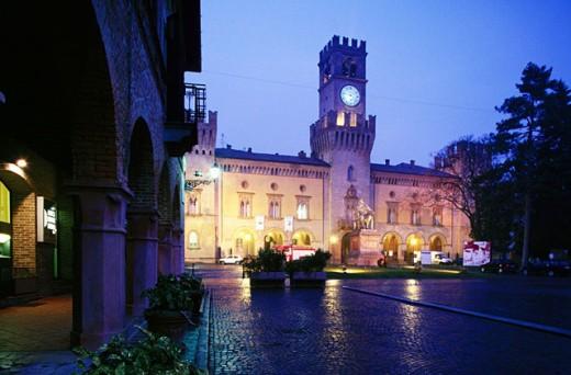 Stock Photo: 1566-049776 Rocca Pallavicino. Piazza Giuseppe Verdi. Busseto. Italy