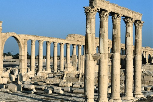 Stock Photo: 1566-051207 Ruins of the old Greco-roman city of Palmira. Syria