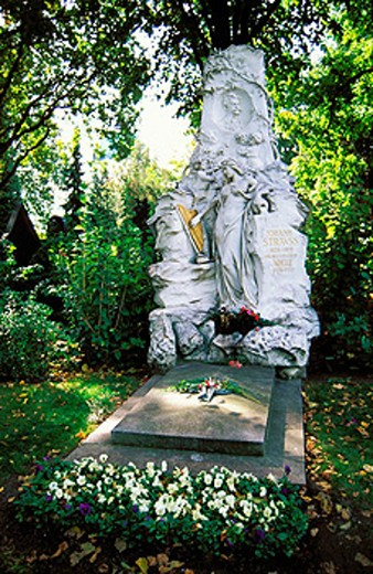 Stock Photo: 1566-052147 Grave of Johann Strauss. Zentralfriedhof cemetery. Vienna. Austria