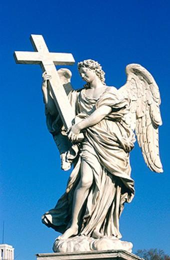 Stock Photo: 1566-053318 Statue of angel by Bernini at Sant´Angelo bridge. Vatican. Rome. Italy