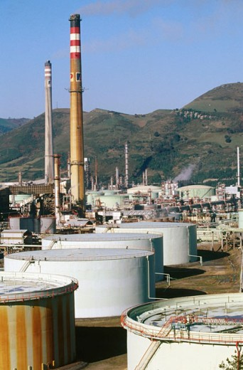 Stock Photo: 1566-059043 Oil refinery. Biscay. Spain