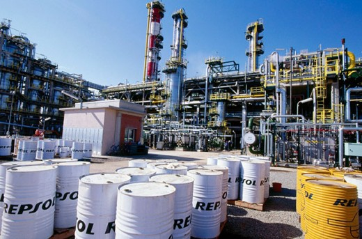 Hydrocracker. Repsol-YPF oil refinery. Tarragona province. Spain : Stock Photo
