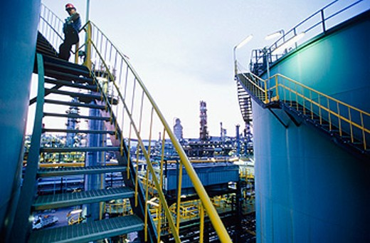 Stock Photo: 1566-059814 Gas tanks. Repsol-YPF oil refinery. Tarragona province. Spain