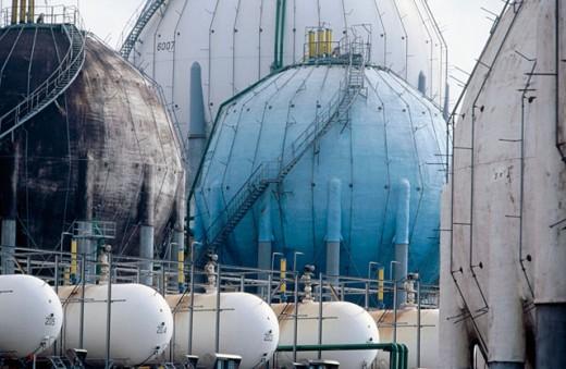 Butane gas tanks, distribution plant. El Musel, port of Gijón. Spain : Stock Photo