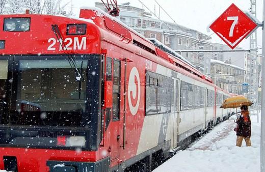 Commuter train at station in winter. Zumárraga. Guipúzcoa, Spain : Stock Photo