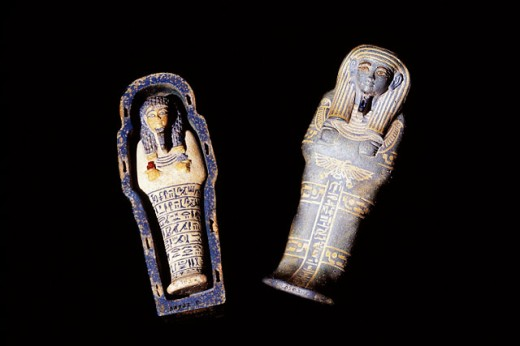 Faience ´ushabti´ and coffin. Egyptian Museum. Egypt : Stock Photo