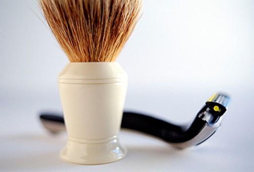 Brush and razor : Stock Photo