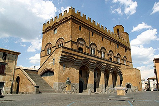 Stock Photo: 1566-069675 Palazzo del Popolo built 13th century. Orvieto. Umbria, Italy