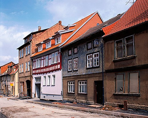 Stock Photo: 1566-070547 Dilapidated and restored houses. Breitenstrasse. Mühlhausen. Thuringia. Germany
