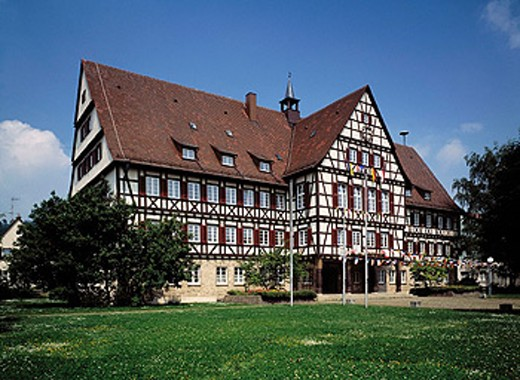 Germany. Münsingen, Swabian Jura, Baden-Württemberg, town hall, half-timbered : Stock Photo