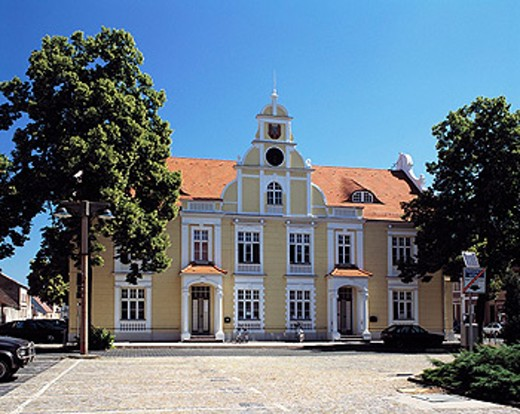Stock Photo: 1566-071507 Germany, Eisenhüttenstadt, Brandenburg, city hall, renaissance