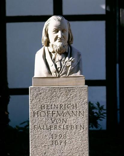 Stock Photo: 1566-071913 Germany, Wolfsburg-Fallersleben, Mittelland Canal, Lower Saxony, statue, Heinrich Hoffmann von Fallersleben