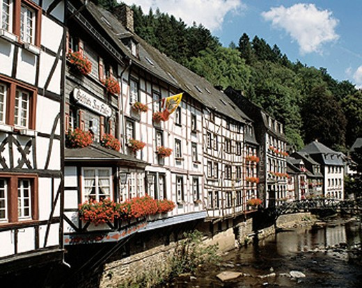 Stock Photo: 1566-071981 Germany, Monschau, North Rhine-Westphalia, half-timbered houses, Rur promenade