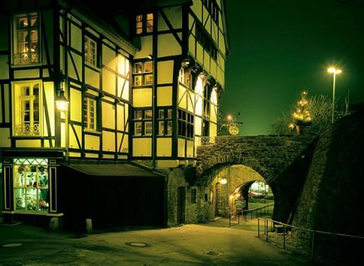 Germany, Mülheim an der Ruhr, Ruhr area, North Rhine-Westphalia, old city, archway, night, Christmas : Stock Photo