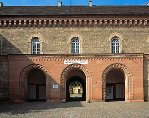 Stock Photo: 1566-072589 Ludwig Gate at the Festungsmuseum, Germersheim, Rhineland-Palatinate, Germany