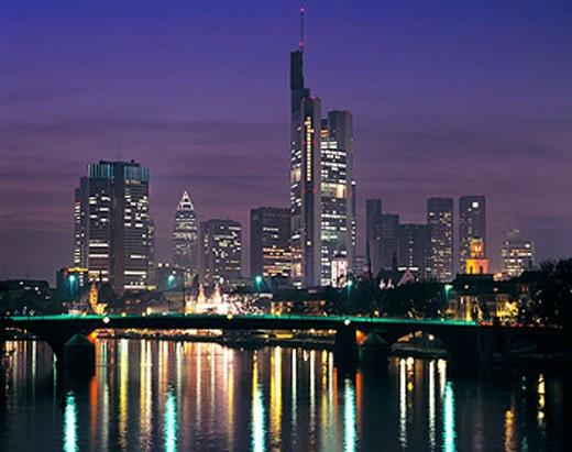Stock Photo: 1566-073004 Germany, Frankfurt on the Main, Hesse, Main, skyline, banking quarter, Fair Tower, Paul´s Church, night