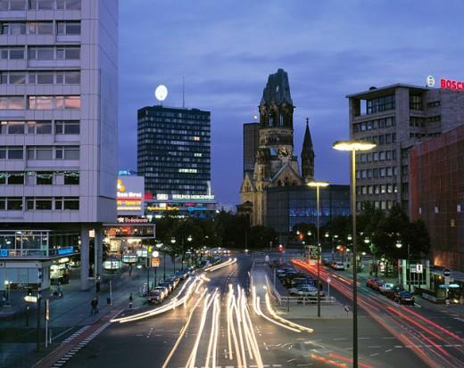 Stock Photo: 1566-073105 Germany: Berlin, Kaiser Wilhelm Gedaechtnis Church, European Center