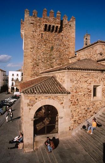 Stock Photo: 1566-075568 Torre del Bujaco (12th century) and Plaza Mayor. Caceres. Extremadura. Spain
