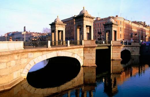 Stock Photo: 1566-078584 Lomonosov bridge on Fontanka canal. St. Petersburg. Russia