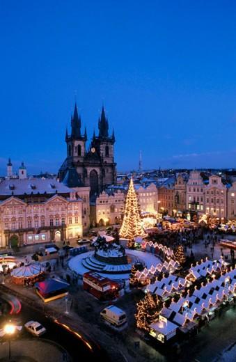 Stock Photo: 1566-084866 Christmas market. Old Town Square. Pregue. Czech Republic