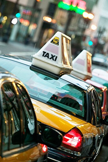Stock Photo: 1566-091199 Taxis in San Francisco. California, USA
