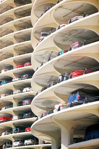 Stock Photo: 1566-091550 Marina City, circular parking garage. Chicago. Illinois, USA