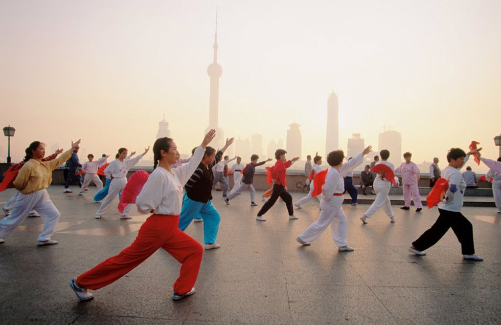 Stock Photo: 1566-092005 Dawn on the Bund. Shanghai. China