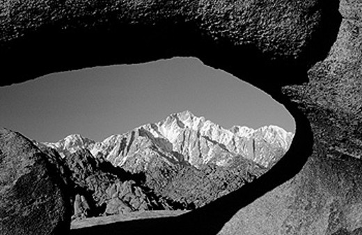Stock Photo: 1566-096559 Arch with Sierra Nevada´s Lone Pine Peak. Alabama Hills. California. USA