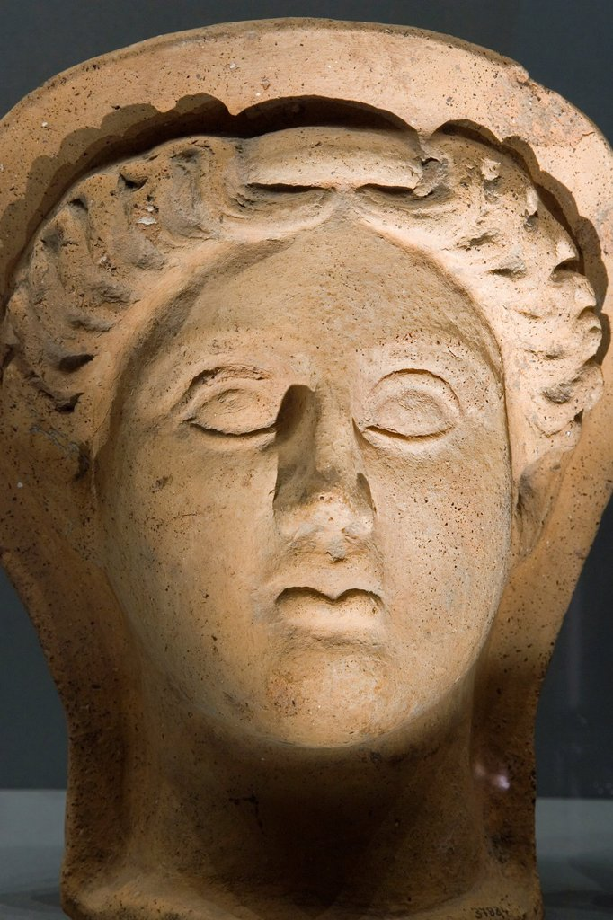 europe, italy, tuscany, siena, santa maria della scala, archaeological museum, etruscan museum, chigi zondadari collection, votive head : Stock Photo