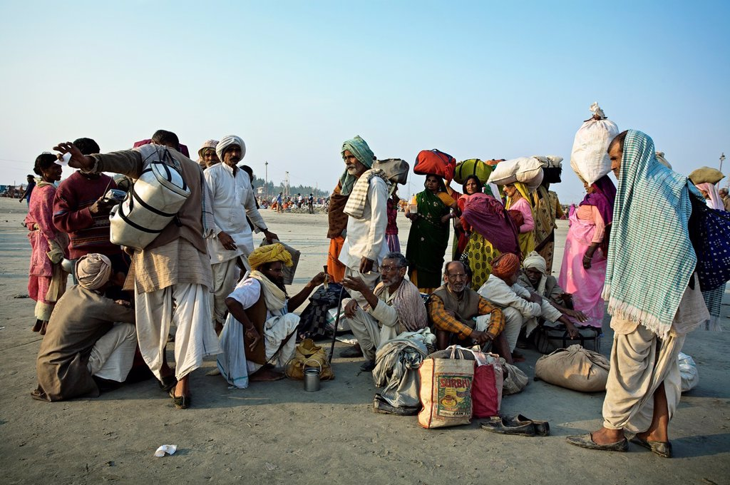 Pilgrims gathering for bathing at the confluence of the river Ganges and the Bay of Bengal , Sagar Mela, India, Ganges River : Stock Photo
