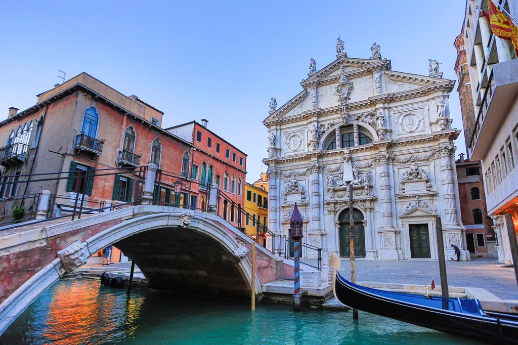 Stock Photo: 1566-1003958 Italy , Venezia City , Canal, church