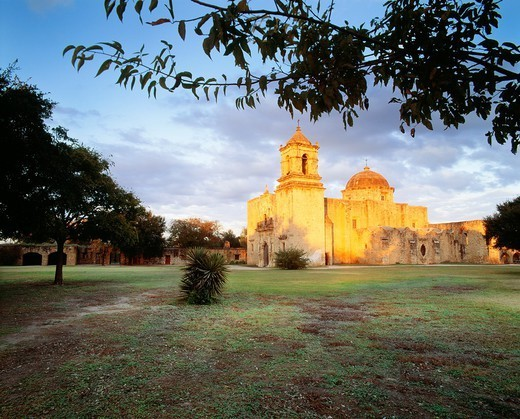 Church at Mission San Jose y San Miguel de Aguayo, at sunset San Antonio Missions National Historical Park, Texas : Stock Photo