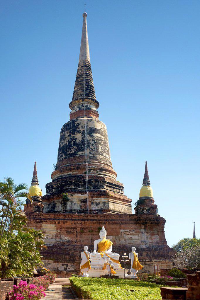 Stock Photo: 1566-1005793 Thailand - Ayutthaya, ruins Wat Phra Si Sanphet Temple
