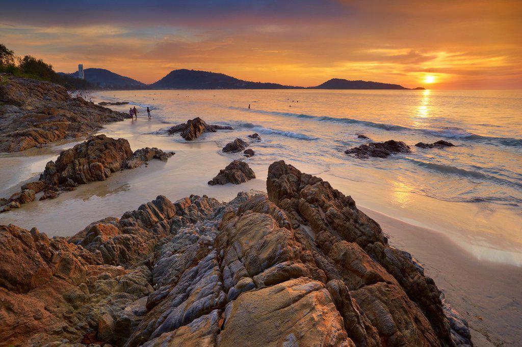 Stock Photo: 1566-1005909 Thailand - Phuket Island, Patong Beach, sunset time scenery
