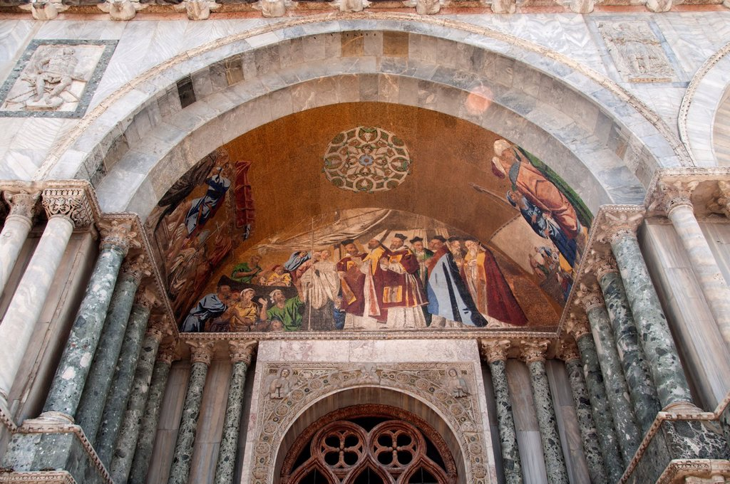Stock Photo: 1566-1005997 Arrival of St  Mark´s Body in Venice, mosaic detail, St  Mark´s Basilica, Venice, Italy