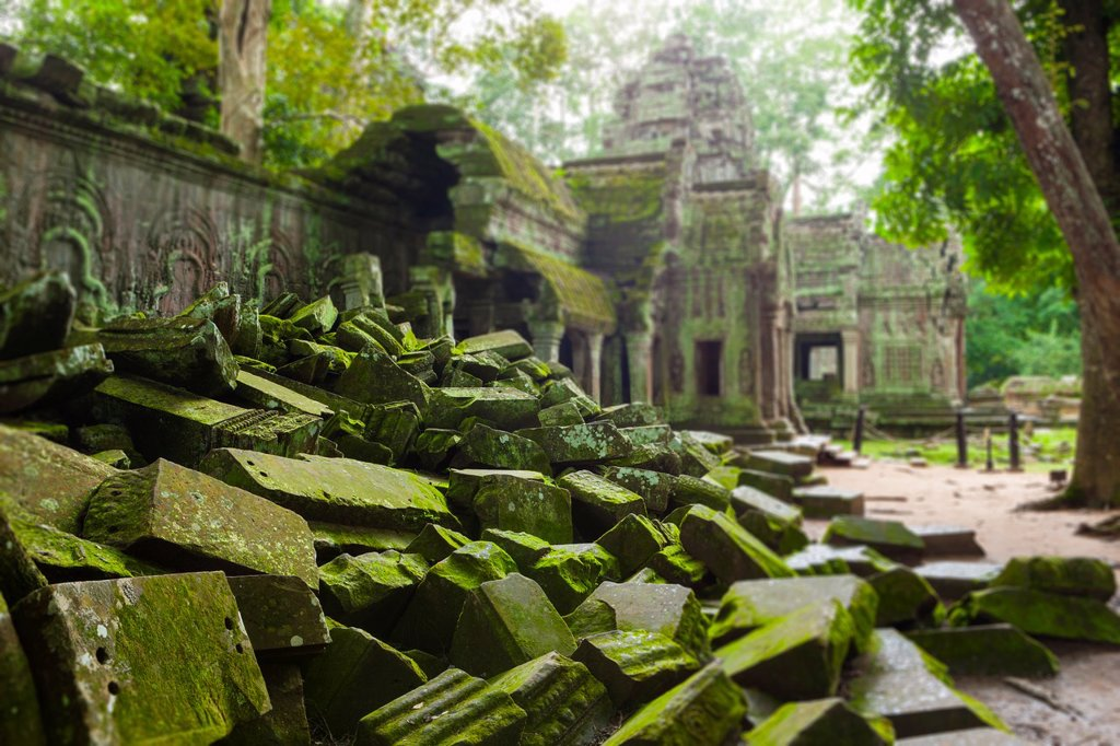 Ta Prohm is the modern name of a temple at Angkor, Siem Reap Province, Cambodia, built in the Bayon style largely in the late 12th and early 13th centuries and originally called Rajavihara Located approximately one kilometre east of Angkor Thom and on the. Ta Prohm is the modern name of a temple at Angkor, Siem Reap Province, Cambodia, built in the Bayon style largely in the late 12th and early 13th centuries and originally called Rajavihara Located approximately one kilometre east of Angkor Tho : Stock Photo