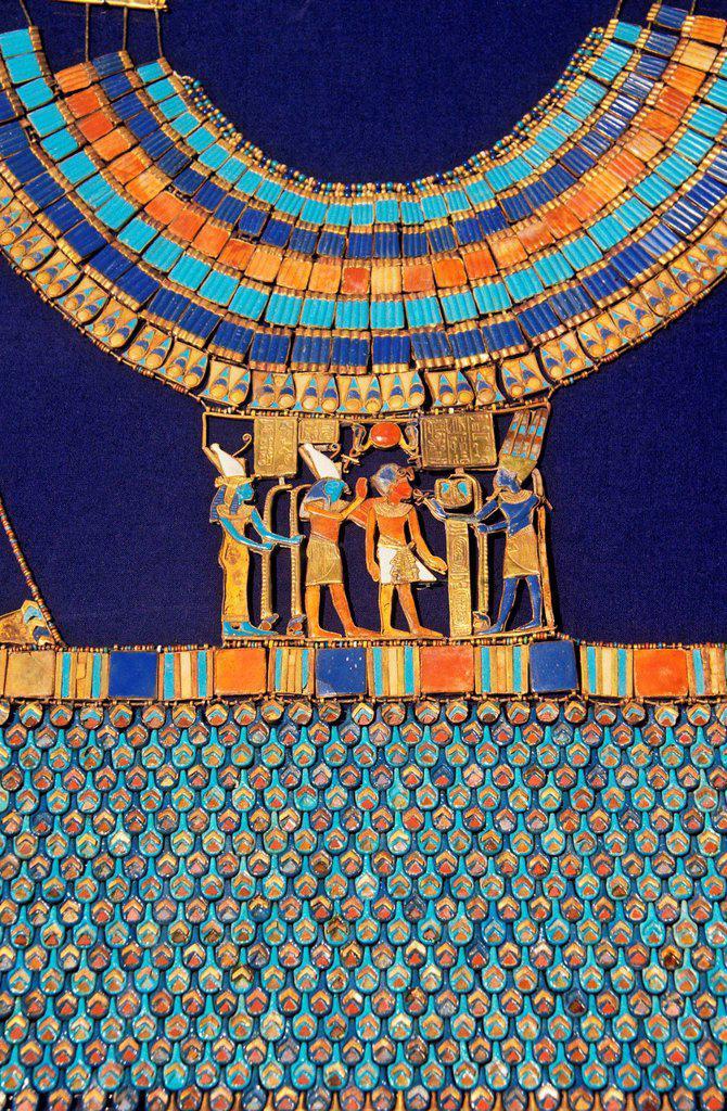 Pectoral  The god Amun-Re receives the pharaoh  Tutankhamun´s treasure  Museum of Egyptian Antiquities  Cairo  Egypt : Stock Photo