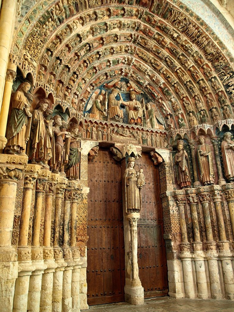 13th century Majesty portico Pórtico de la Majestad, southern entrance to the collegiate church of Santa María la Mayor, Toro, Zamora province, Castilla-Leon, Spain : Stock Photo