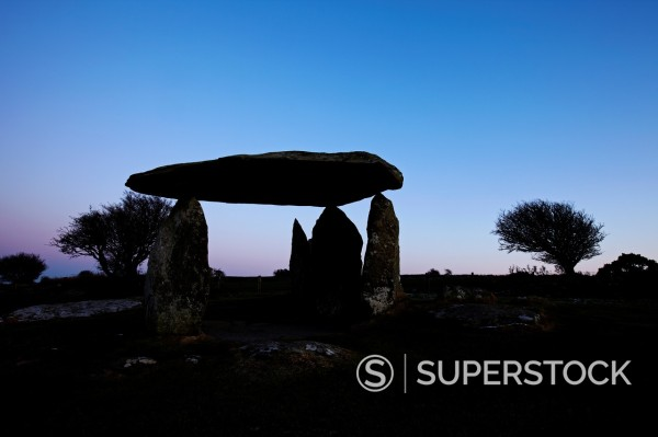 Stock Photo: 1566-1011563 Pentre Ifan, Neolithic Burial Chamber, West Wales, UK