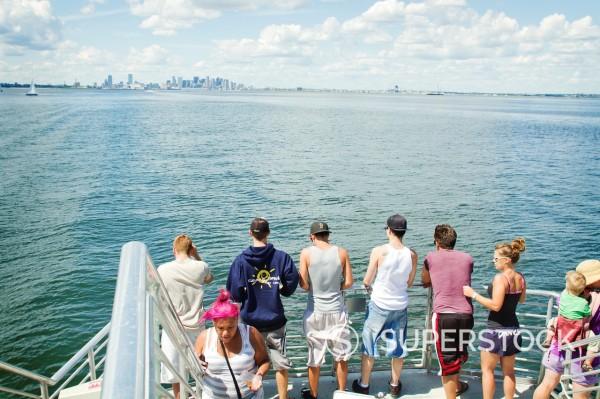 Stock Photo: 1566-1014467 Tourists photographing cityscape, Boston, Massachusetts, USA