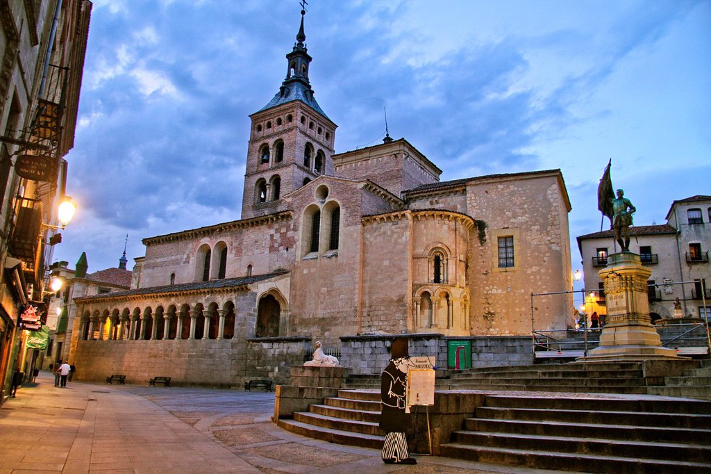 Stock Photo: 1566-1014712 Plaza de San Martin and San Martin Church, Segovia, Castile La Mancha, Spain