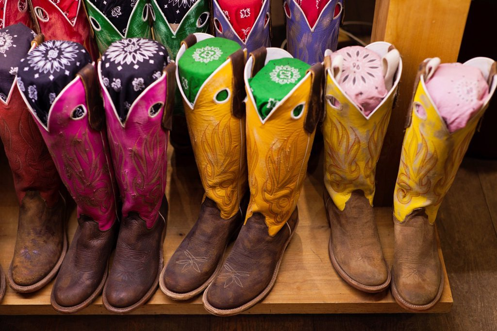 Stock Photo: 1566-1015119 USA, Colorado, Aspen, Cowboy Boots, Kemo Sabe shop