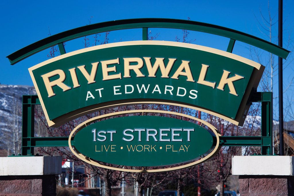 Stock Photo: 1566-1015147 USA, Colorado, Edwards, Riverwalk at Edwards, shopping mall sign